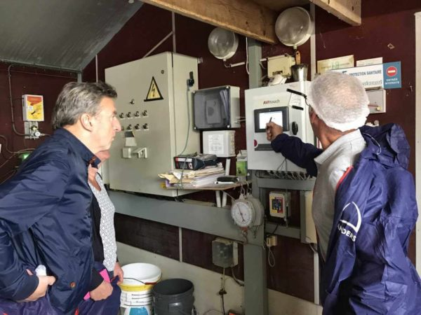 Avec Bernard Balcon, exploitants en volaille à Plourzel